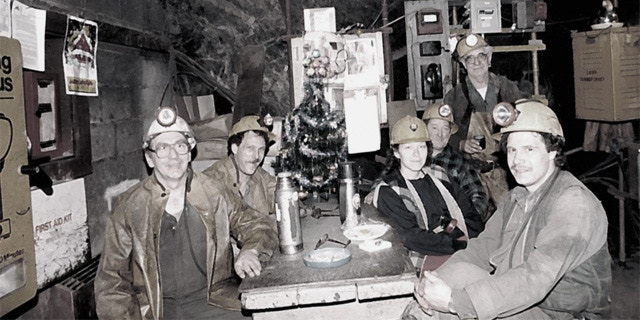 Estelle Caines (centre-right) and others. No. 2 Shaft, Dickenson Mine, 1988