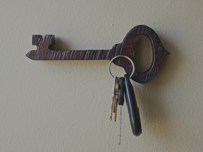 One magnet, for one set of keys, how simple. THE KEY: $19
