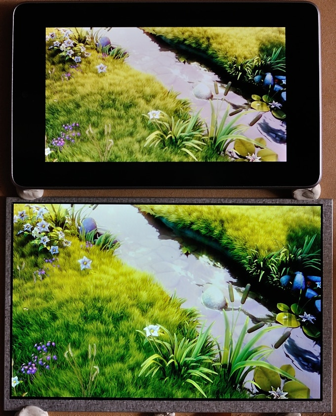 HDMIPi & Nexus 7 direct comparison (shot with no lights to minimise reflections)