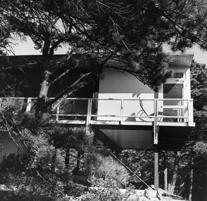 The Weidlinger House in 1953 soon after construction. Photo: Madeliene Weidlinger-Friedli