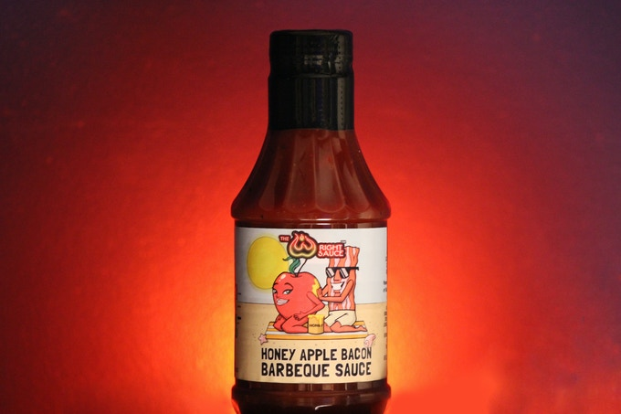 Honey Apple Bacon (mild) Tomato based BBQ sauce made with granny smith apples, locally sourced honey and bacon.