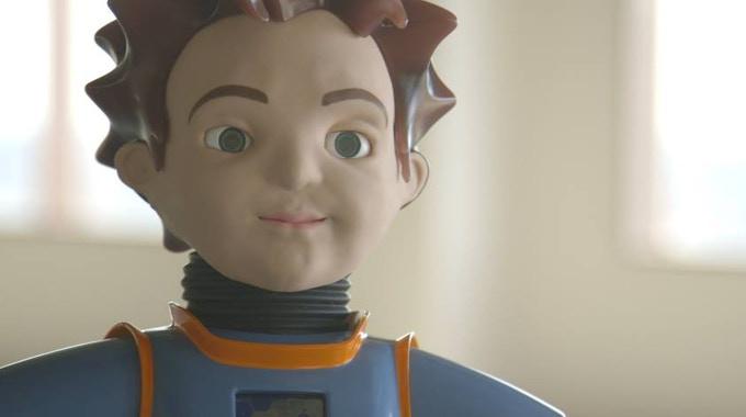 ZENO has real facial expressions, including its ability to smile, frown, blink, look angry or surprised and lip-sync speech. He has a humanoid body with an expressive face and the ability to walk.