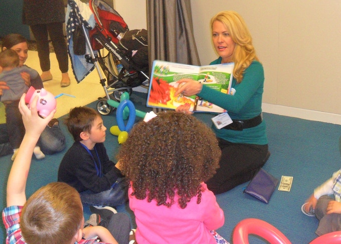 """Book reading at Huffington Post offices in NYC for """"Take Your Kids To Work Day""""!"""