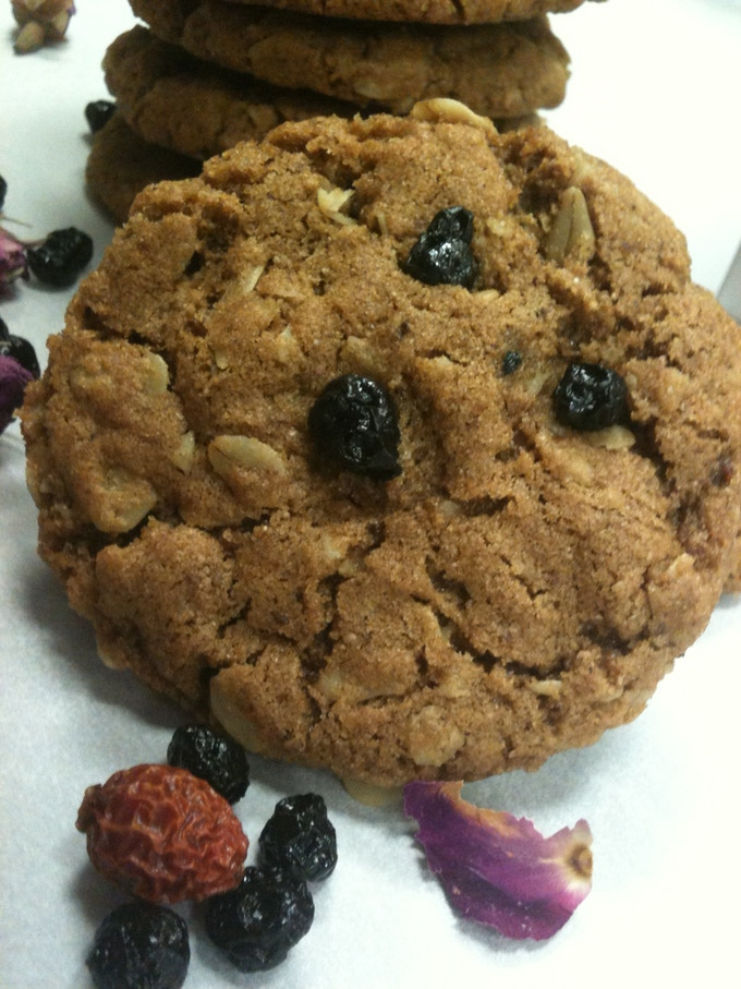 Sustainable, Plant-based, Low Gluten, Ancient Oatmeal Cookies