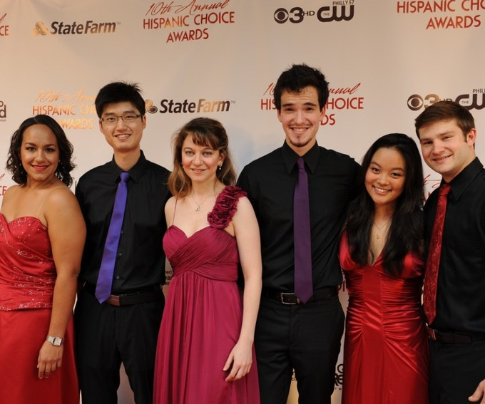 DSE on the red carpet pre=performance at Hispanic Choice Awards, Philadelphia, October 2013