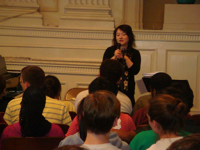 DSE-commissioned composer Fang Man talks with students at the Masterman School