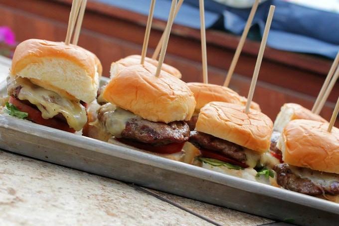 The savour food truck by collin yadon matt boulter for Food s bar unloc