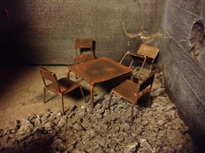 Apocalyptic Ruin: Dining Set