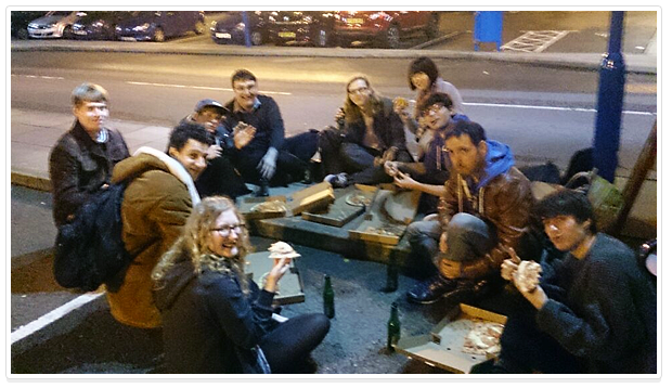 pizza, beer, sidewalk, kano