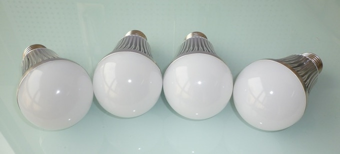 [2013.10.11] Our smart LED bulb, looking good so far...but more still to be done