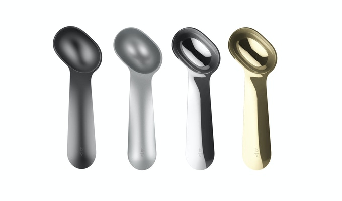 Scoop colors from left to right: Jet Black, Matte Silver, Chrome, Gold-plated