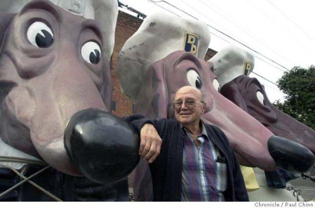 Artist Harold Bachman, creator of the Doggie Diner head ~ (Photo: SF Chronicle/ Paul Chinn)