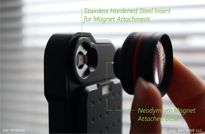 * Stainless Hardened Steel insert holds the lens quickly and securely.(MODEL:[BRIC+] 2450mAh Power Case with 3.5X Optical Lens) | Black/Black