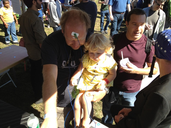 Bjorn showing his brainwaves to his daughter at Maker Faire NYC back in September