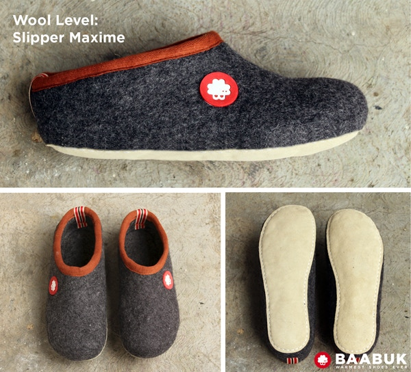 Wool slipper from dark grey wool from New Zealand. The sole is from leather.
