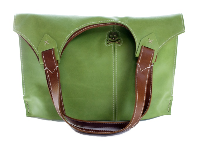 Grassy Tote with Skull