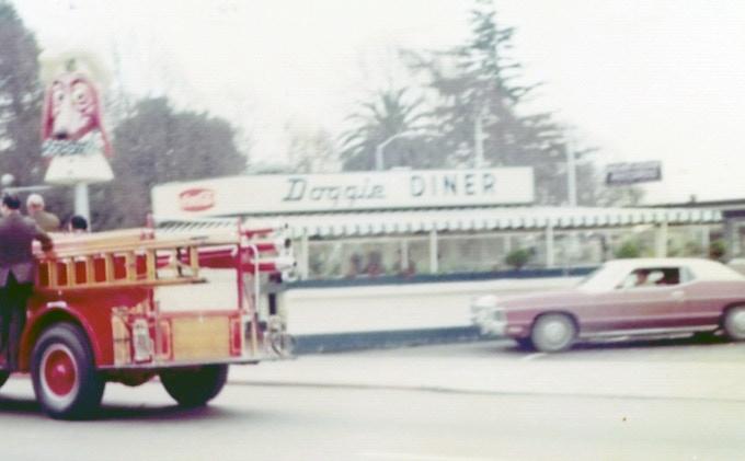 Doggie Diner, corner of C and Mission, Hayward. ~ (Photo: Hayward Area Historical Society)
