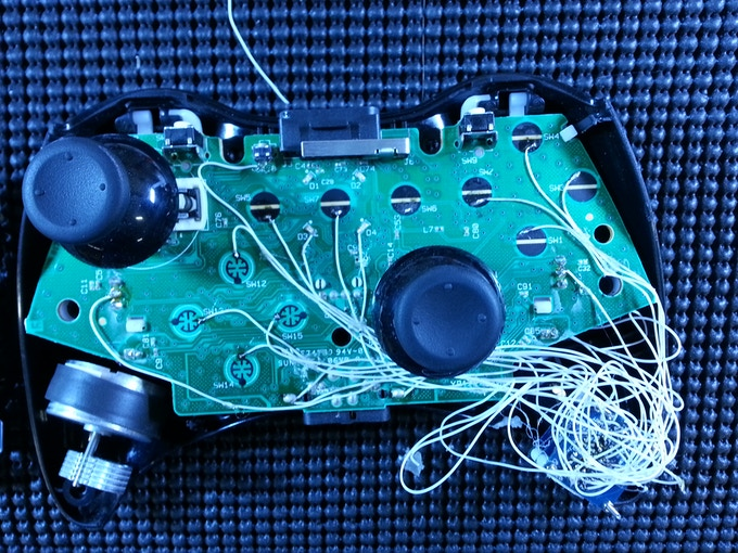 Abxy an arduino platform for the xbox 360 controller by kevin tinyduino wired up to an xbox 360 controller ccuart Gallery