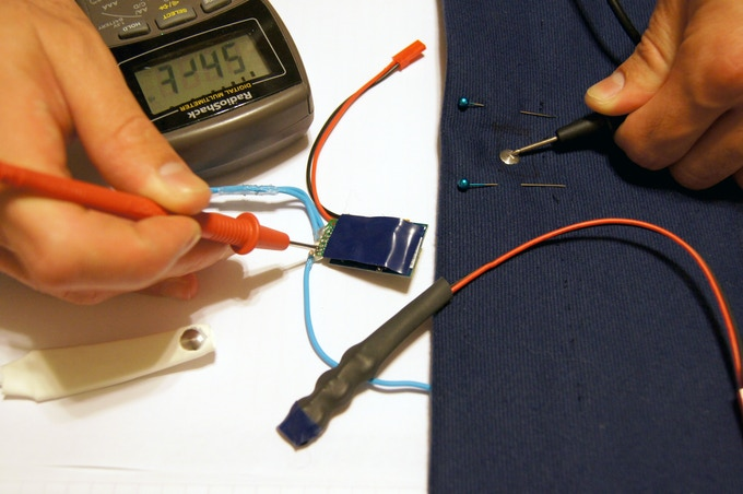 A compact power cell that allows more comfort while sleeping is being developed. This unit depicted uses three micro button batteries in parallel. Safe rechargeable batteries are being tested.