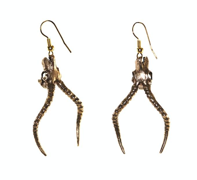 Impala earrings in brass