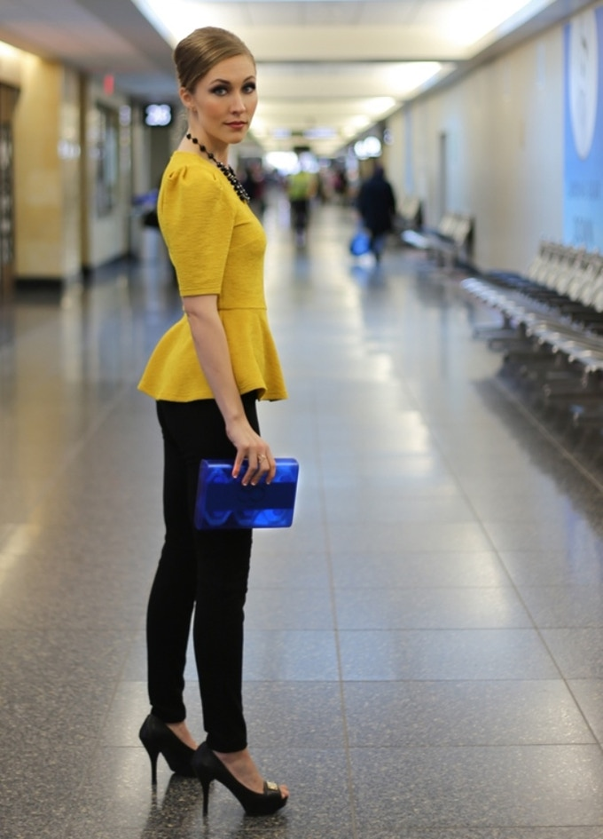 Airsafe Carryon is compact, lightweight and easy to carry.
