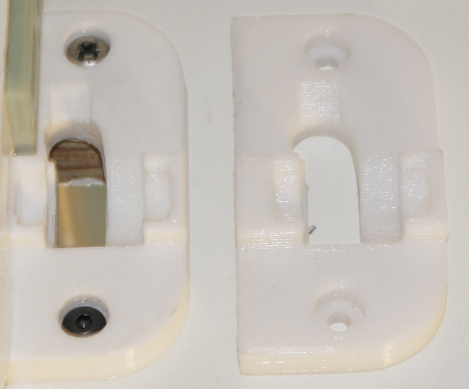 The bracket on the left was made on an original Ultimaker. On the right is a similar part, as printed on a DeltaTrix 3D Printer. The photo does not show it very well, but on our part the edges of the top layer fused together better.
