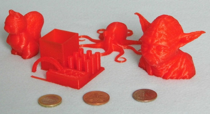Squirel, torture test, octopus and Yoda, all in red PLA. The torture test is printed at 400 micron and the others are all printed at 250 micron.