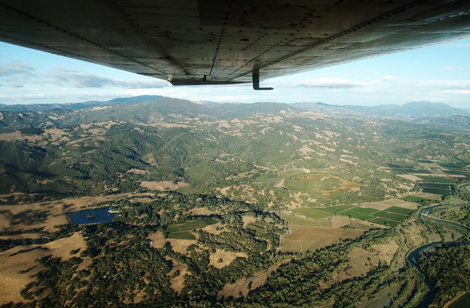 Flying the Cessna Cardinal through the valley...