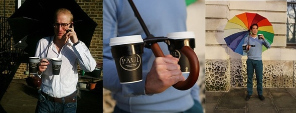 Easily hold your umbrella, drinks and smartphone