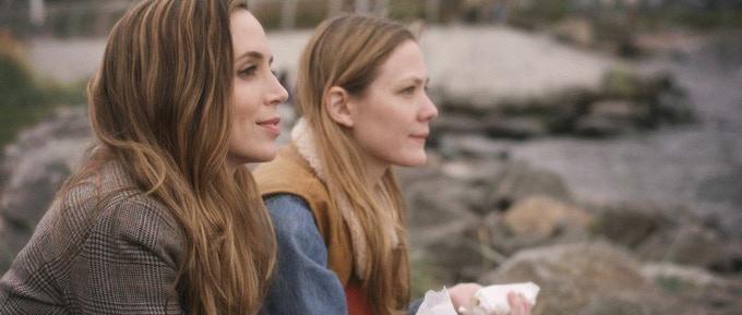 Bianca (Eliza Dushku) and Jane (Louisa Krause) on set in Brooklyn, New York