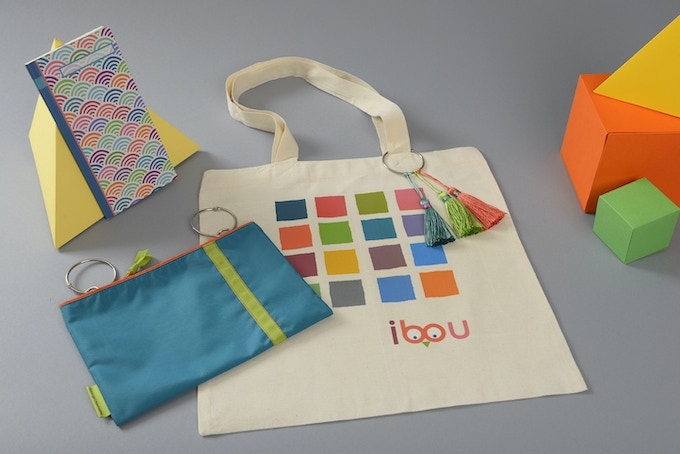 ibou pocket with totebag, notebook and pompom