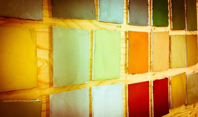 Color samples that show the great variety of what can be done with natural plaster