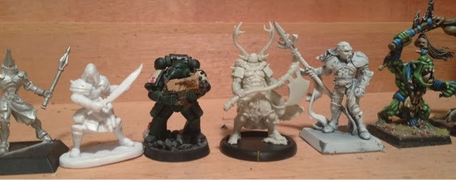 Ax-Drune (centre, next to Space Marine)