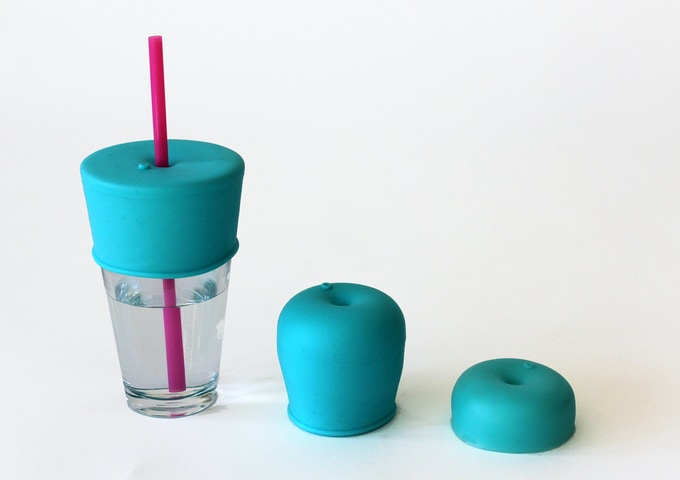 The SipSnap Kid changes shape to form around cups or fold down for compactness when storing.