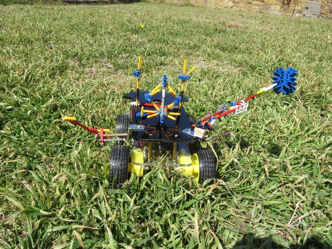 Build a Gladiator with k'nex