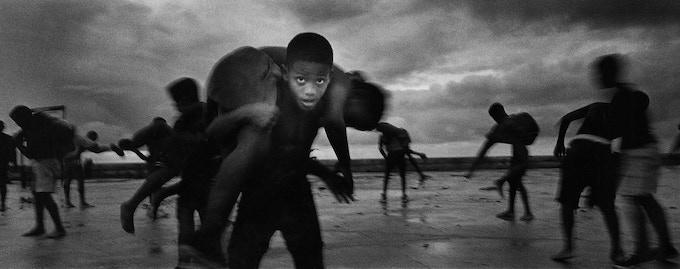 Isla Limited Editon two: Young wrestlers, Havana, 2003