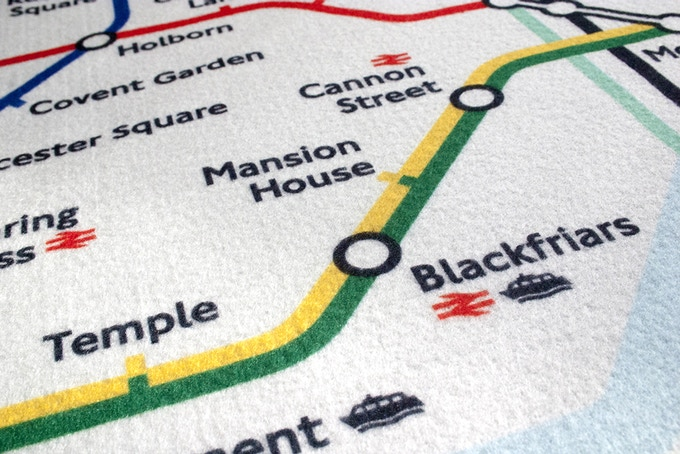 Close up of print quality on Tube Map Stretcher - sharp!!!