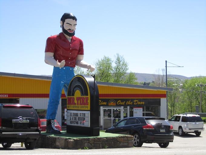 Uniontown, PA Muffler Man