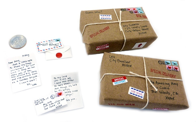 With the materials in this kit, it's easy to make stunning tiny letters and fabulous mini parcels.