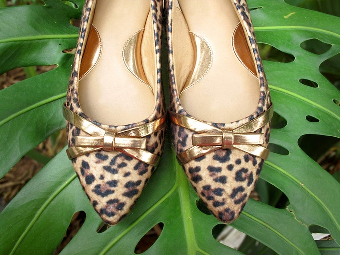 Perfetta #3. A bolder option: pointy shape with animal print and a metallic little bow for a classy touch.