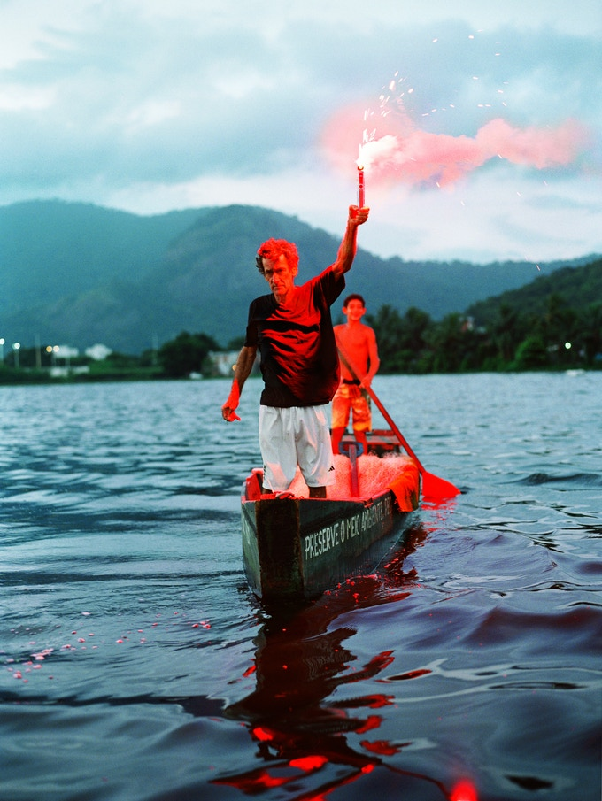 Seu Barrao com Tiago, Lagoa Japarepagua, 2013