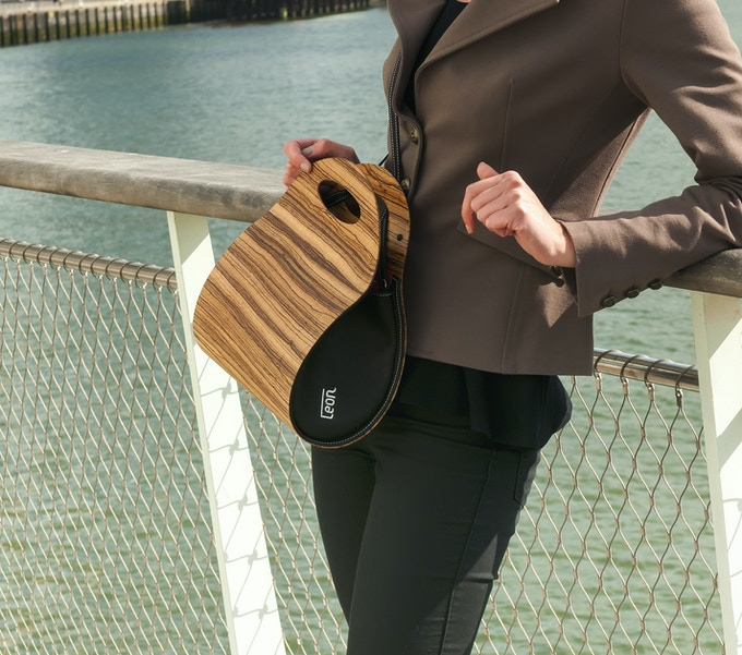 € 395,-- funding brings you the real wooden handbag as reward. Photo shows the Zebrano version.