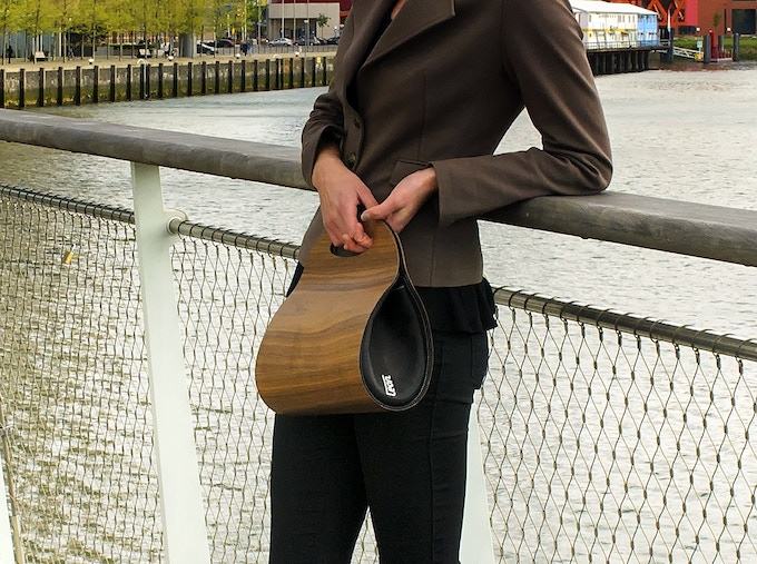 € 395,-- funding brings you the real wooden handbag as reward. Photo shows the Walnut version.
