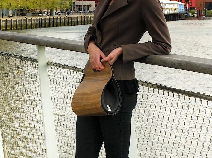 € 395,-- funding brings you the real wooden handbag as reward. Photo shows the Walnut version.