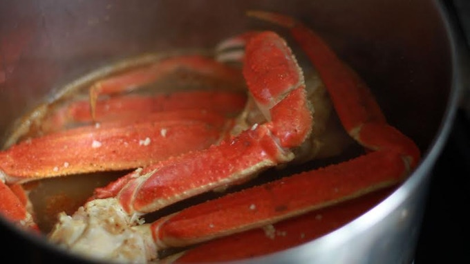 OUR SEASONED TO PERFECTION CRAB LEGS