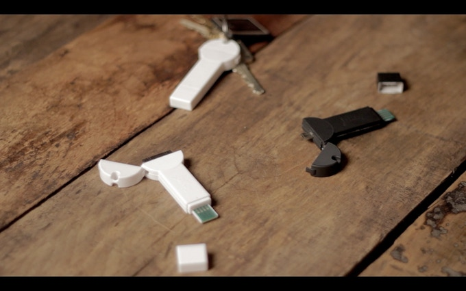 open bKey to reveal the USB charging & smartphone tips