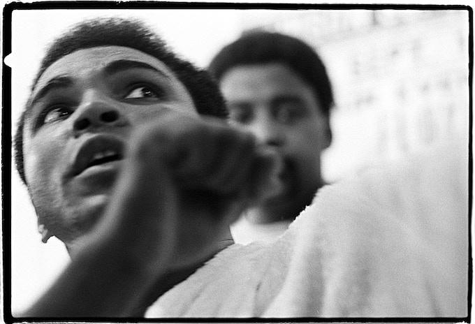 < E > Ali showing off his moves