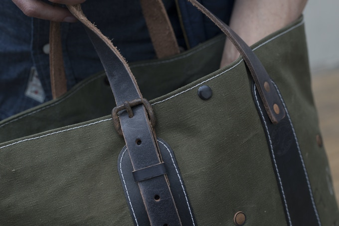 The Signature Tote's Asymmetrical Adjustable Handles