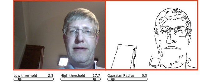 Live camera capture screen in PicassoBot Simulator.