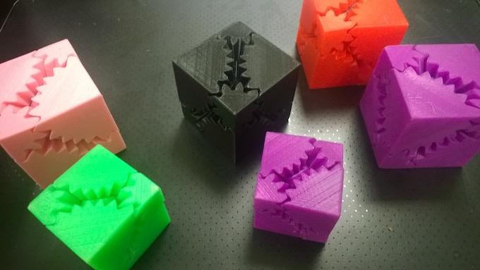 *Gear Cubes